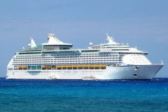 Explorer of the Seas 01.jpg