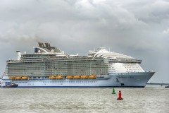 Harmony of the Seas 01.jpg