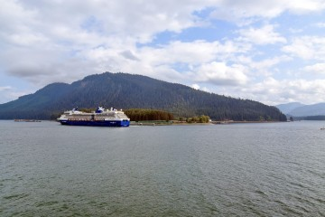 Круизный порт Icy Strait Point 02.jpg