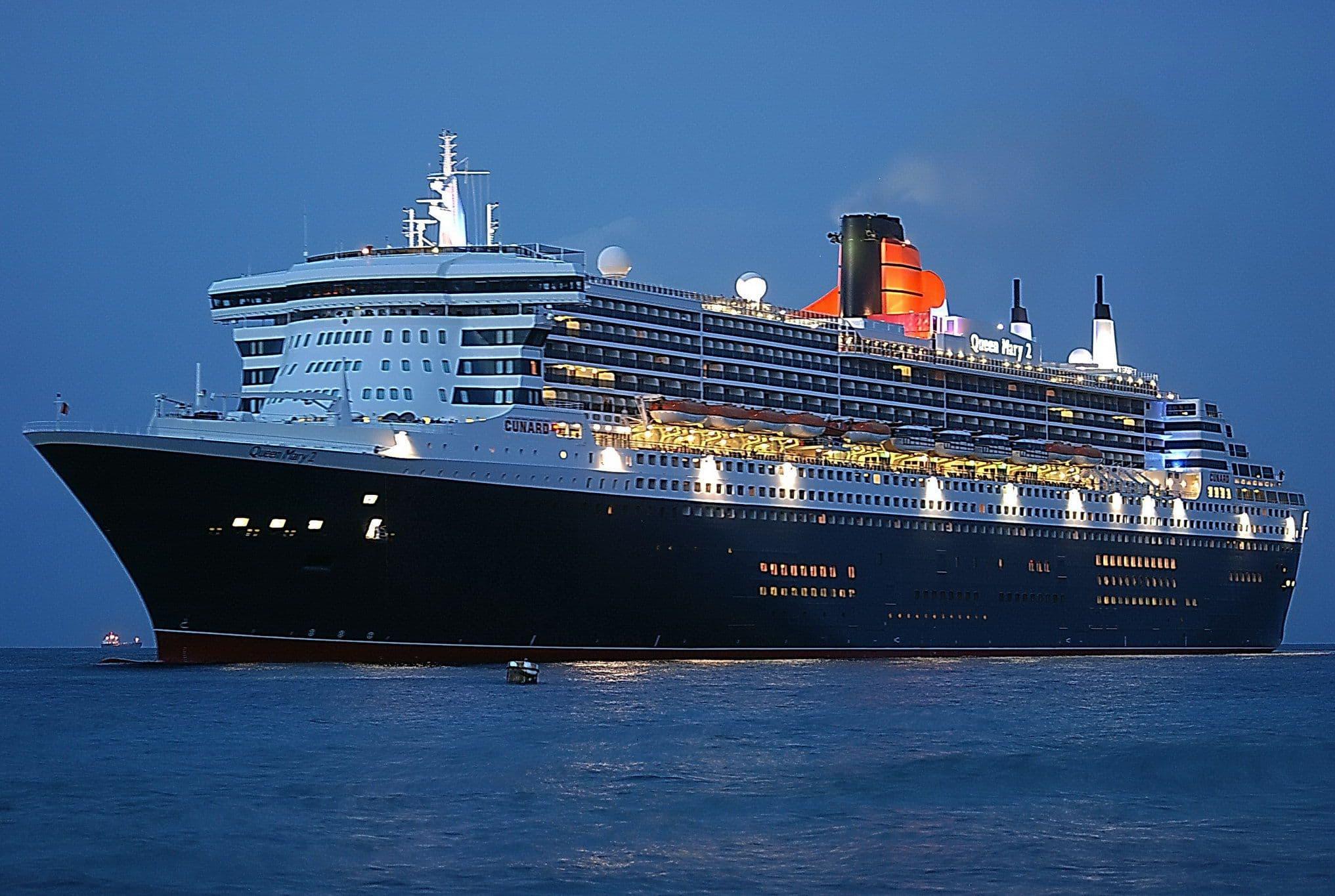 Корабль Queen Mary 2  № 3495332  скачать
