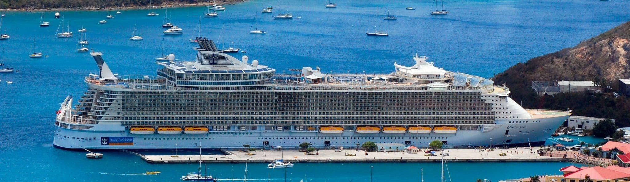 Картинки по запросу Лайнер Oasis of the Seas