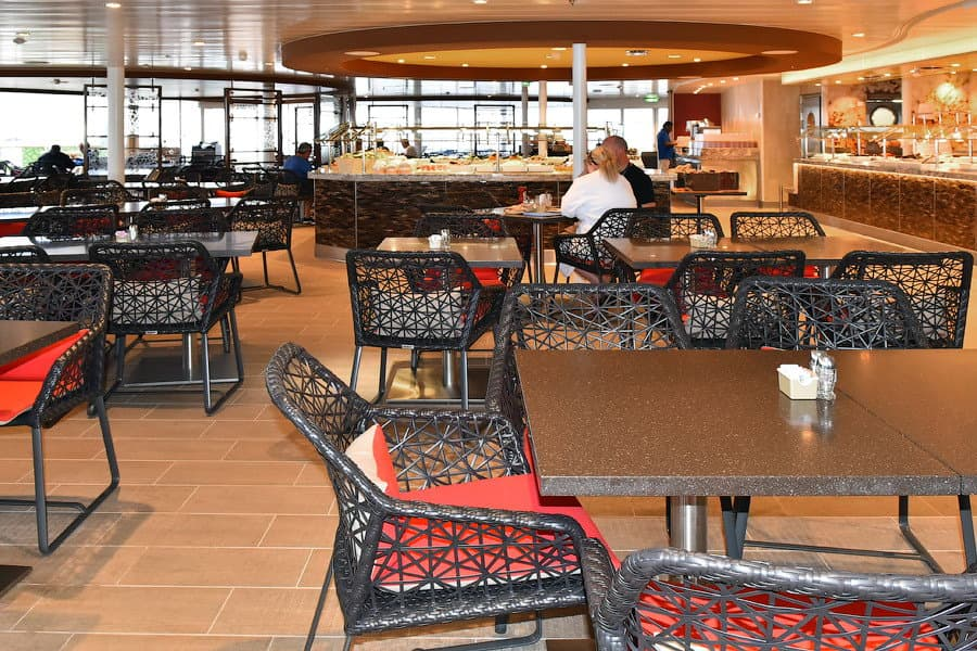 harmony-of-the-seas-solarium-bistro