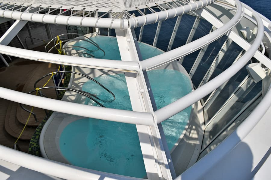 harmony-of-the-seas-jacuzzi