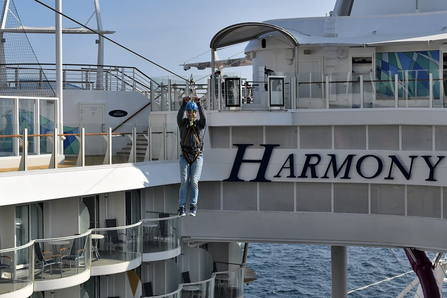 harmony-of-the-seas-zipline
